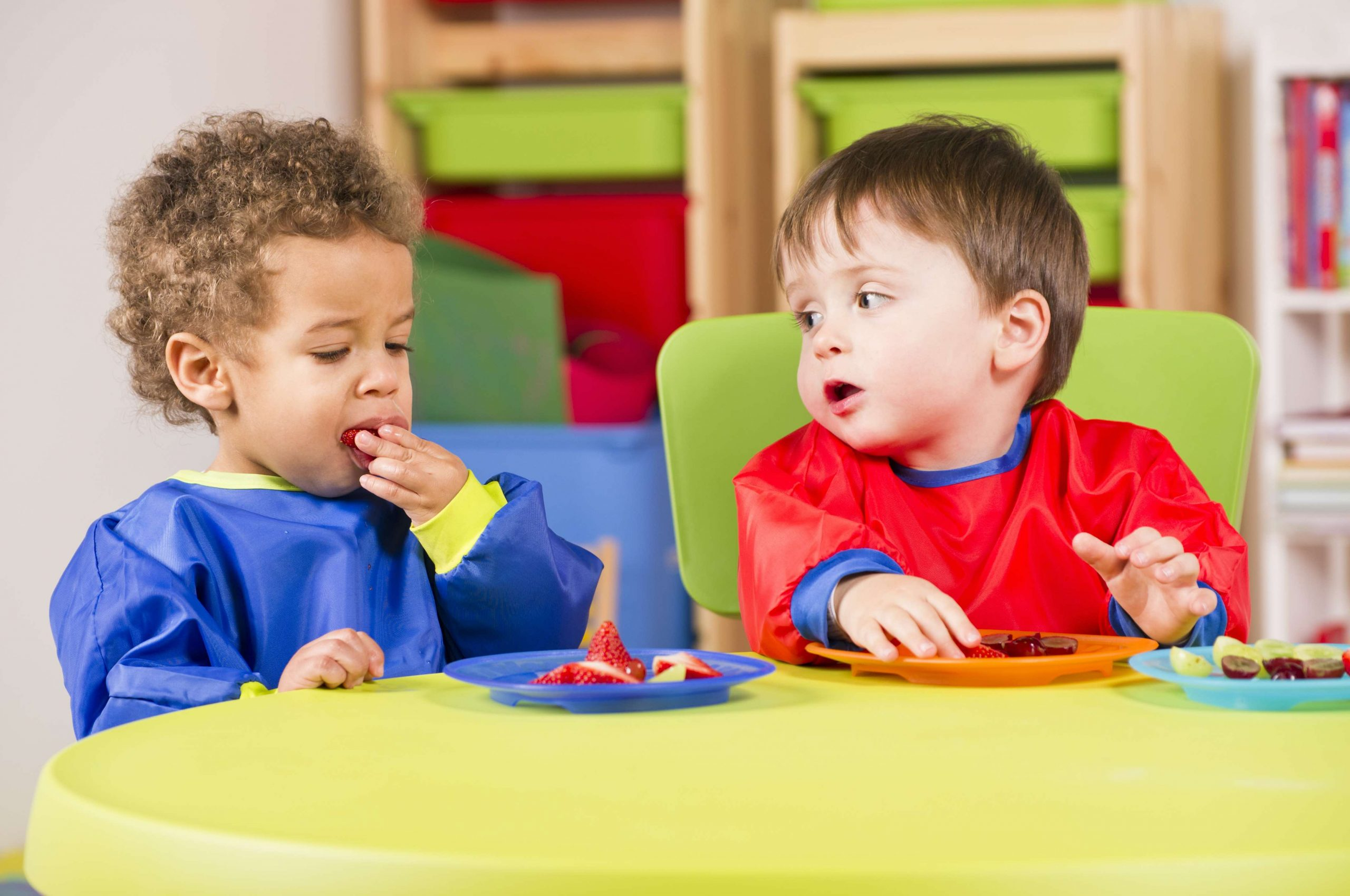 shutterstock toddler eating small 437 scaled